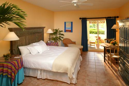 pelican-bay-resort-bedroom