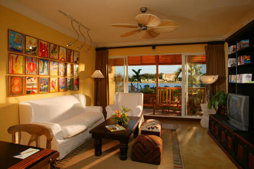 Pelican Bay Resort suite