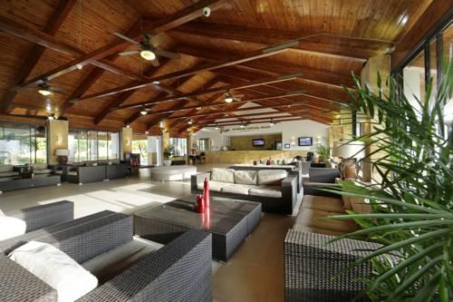 Viva Wyndham Fortuna Beach lobby